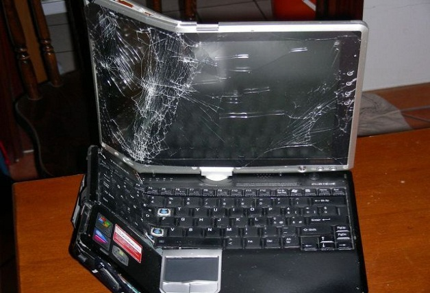 broken-laptop